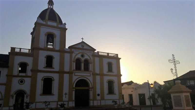 La chiesa della concezione nella piazza di mompos in passato plaza del mercado