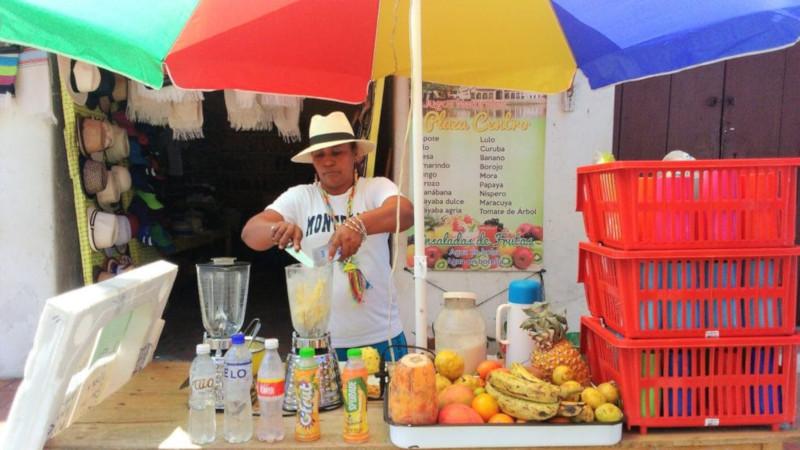 Chiosco di succhi di frutta di mompos
