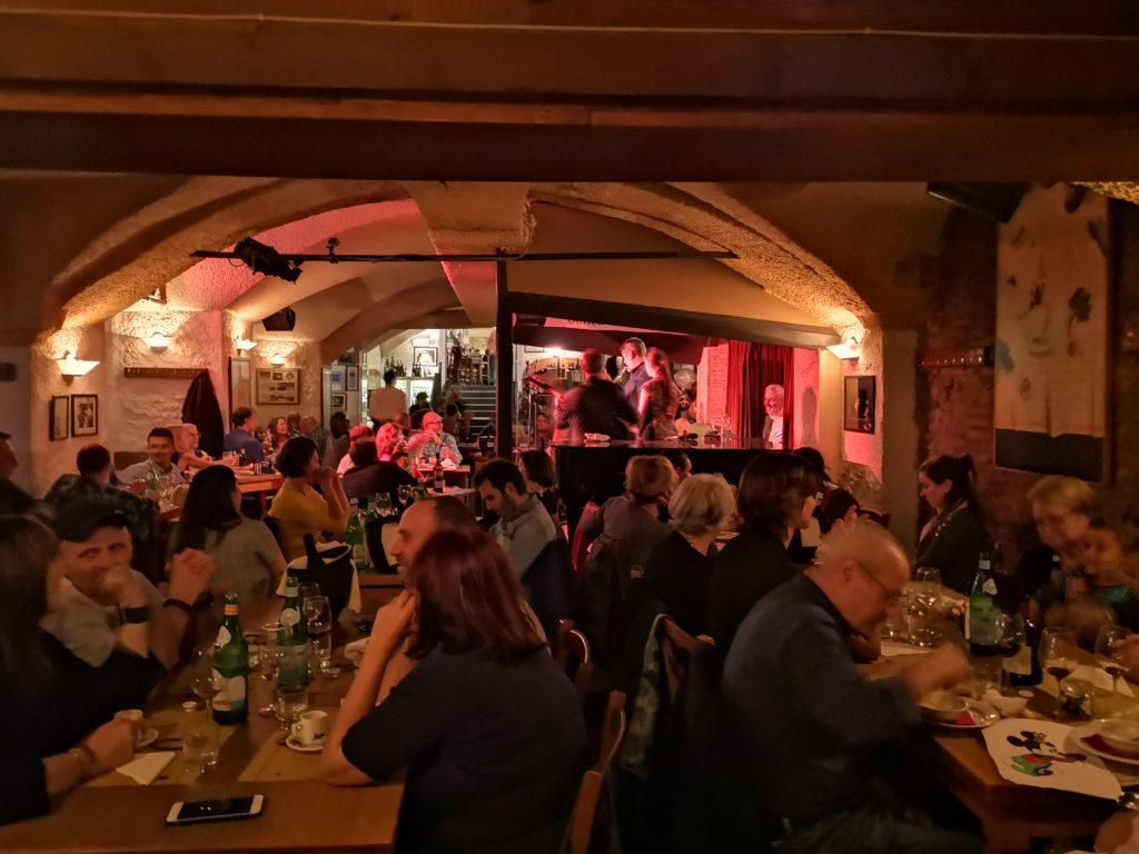 L'interno del locale storico cantine bentivoglio