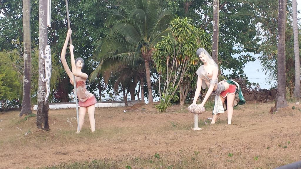 Le sculture di khun somchai di koh mak