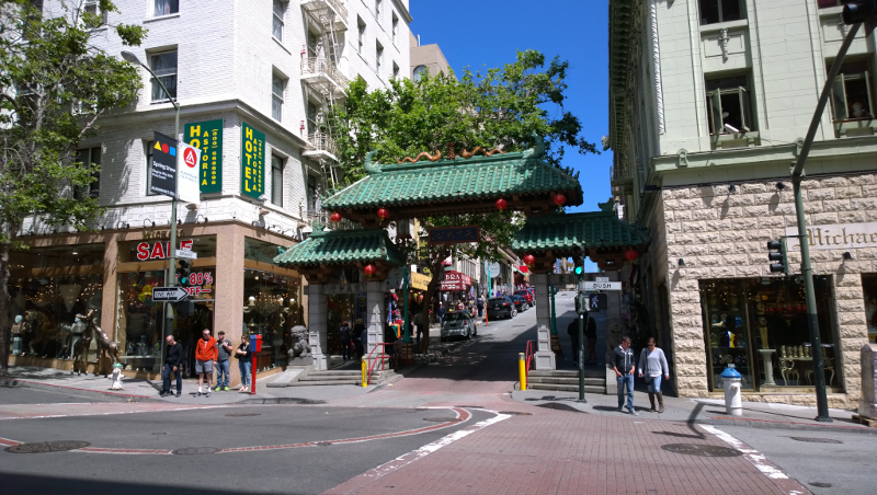Porta Dragon's gate di ingresso al quartiere di chinatown di San francisco