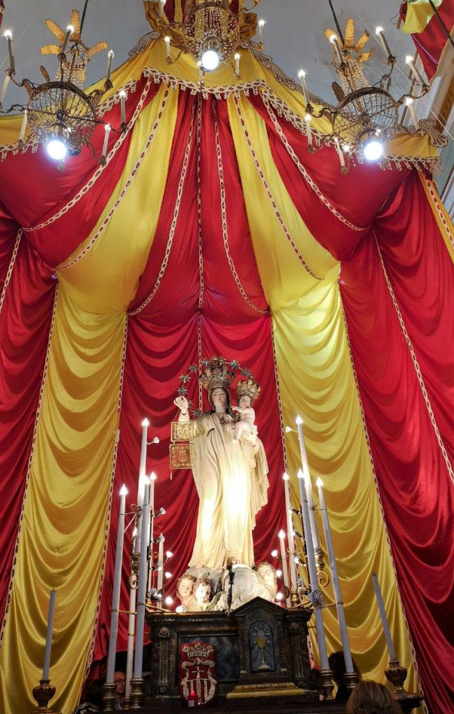 L'altare della chiesa mercede al Capo