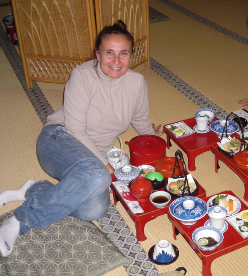 la colazione prima dell'alba al tempio buddista