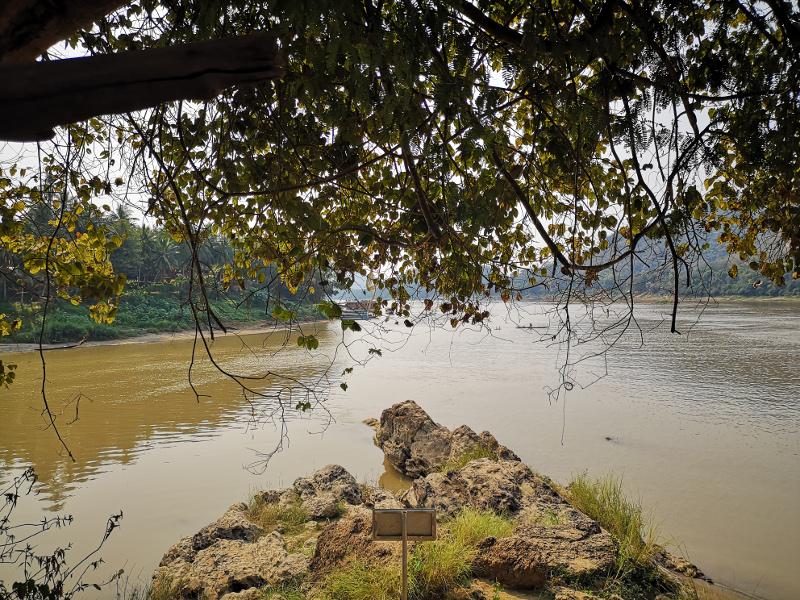 Panorama diurno del fiume Mekong