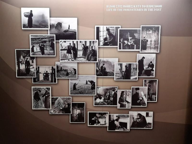 Collage di foto della vita dei monaci antiche
