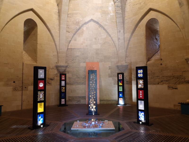 L'interno con installazione della torre di Federico IIcie In