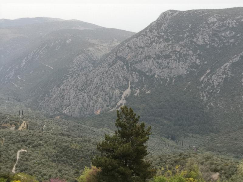 Monte Parnaso su cui è adagiata Delfidi