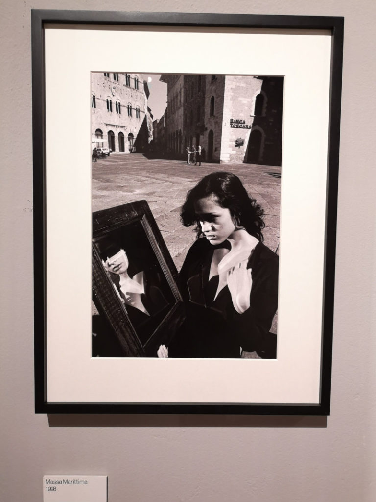 Donna a Massa Marittima di Francesco Scianna alla mostra di Palermo