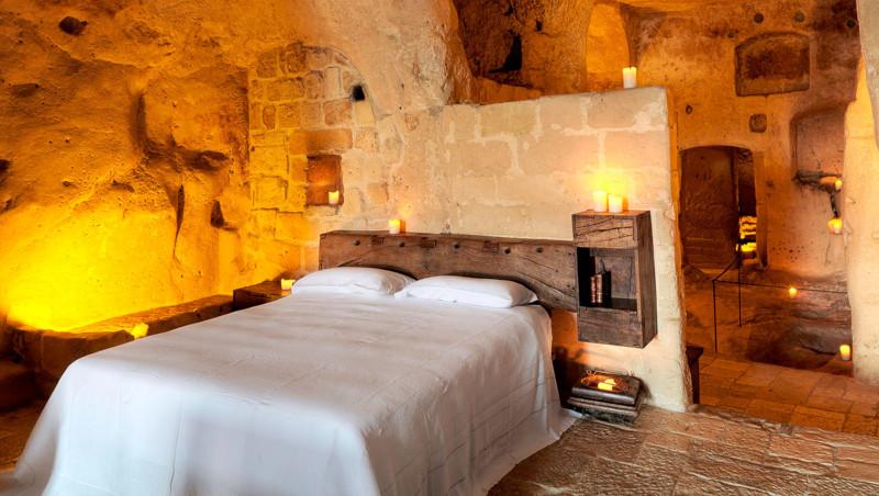 Una camera dell'hotel grotte civita di MateraA