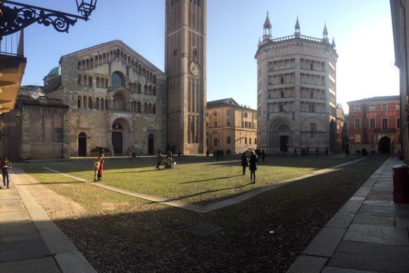 La piazza duomo a Parma