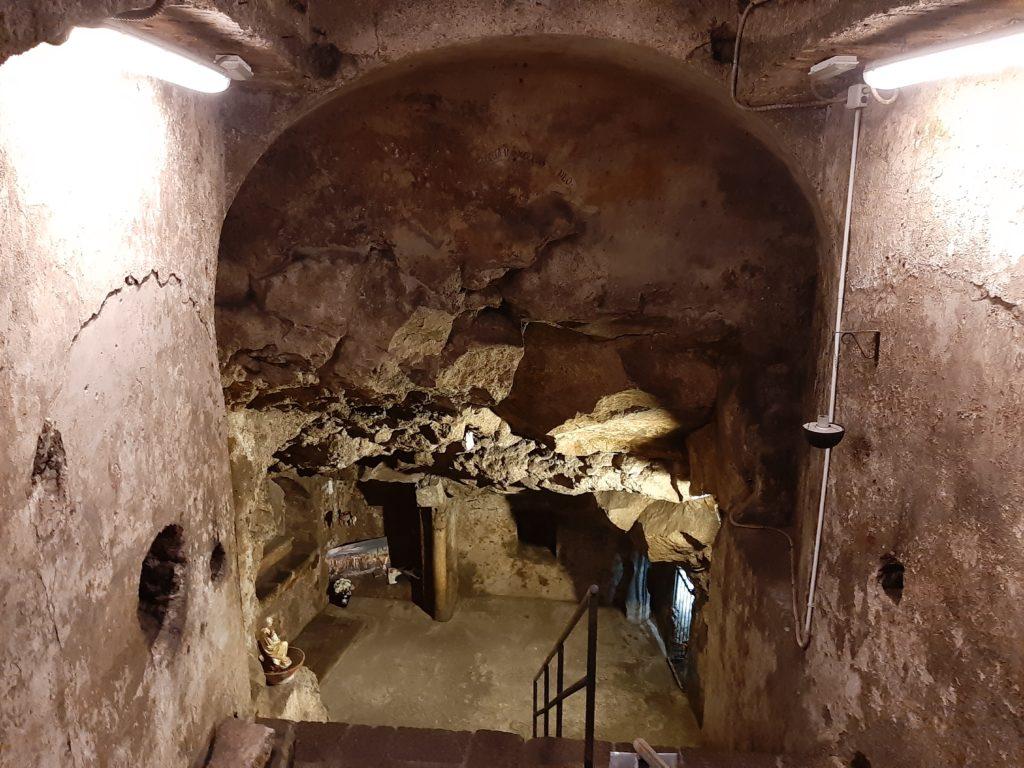 La cripta di San Gaetano alle Grotte a Catania. L