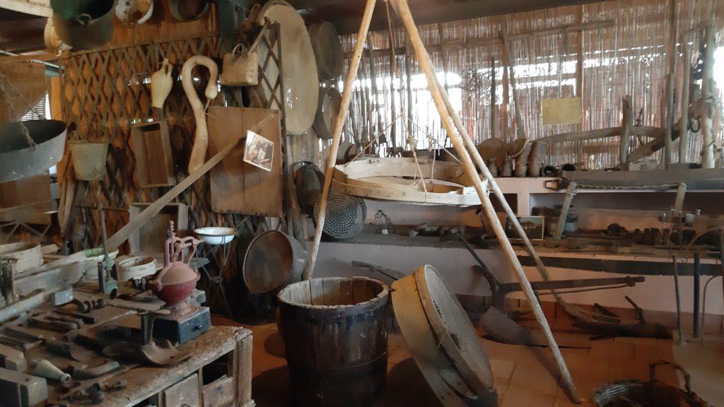 Museo degli attrezzi agricoli dell'azienda Hibiscus di Ustica