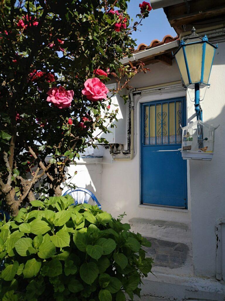 Esperienze da fare ad Atene, scoprire il quartiere Anafitioka Anaf